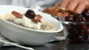 Oats with yogurt, cherries and nuts
