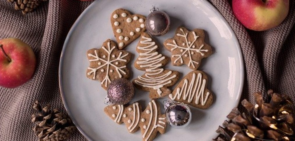 Last-minute molasses cookies
